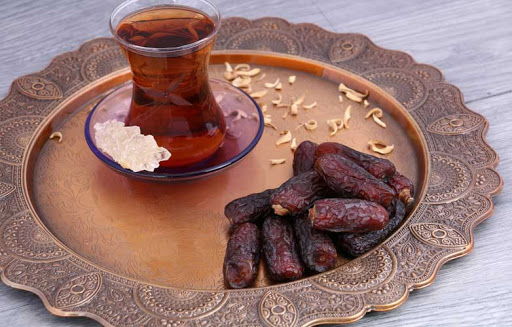 How to Find Organic Piarom Iranian Dates